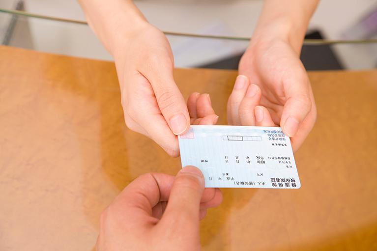 日本の保険診療システムの中で行う歯科治療について
